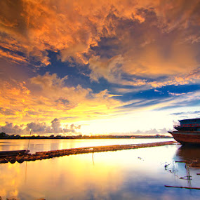 Sekura Lovely by Eris Suhendra - Landscapes Sunsets & Sunrises ( clouds, sky, sunset, indonesia, kalimantan, landscape, river )