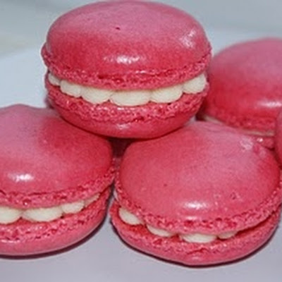 Raspberry & White Chocolate Macaroons