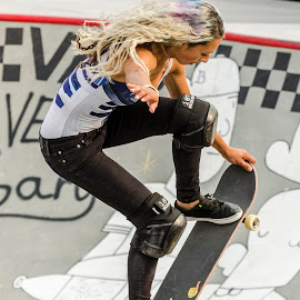 VANS US Open of Surfing,     2014,     Huntington Beach,     beach,     ocean,     waves,     water,     Surfing,     skateboard,     skating,     skateboarding,     doren,     contest,     girls,     women,     woman,     cool,     black and white,     California,     southern,     orangecounty,    Julz Lynn,     Lizzie Armanto,     Alanna Smith,     Nicole House,     Lisa Nalcamura,     Alysha Bergado,     skate,     bowl,     tricks, by Arrow Santos - Sports & Fitness Skateboarding ( doren, black and white, contest, ocean, beach, orangecounty, huntington beach, skateboarding, alysha bergado, southern, surfing, woman, alanna smith, water, cool, bowl, skate, vans us open of surfing, girls, lisa nalcamura, julz lynn, tricks, 2014, waves, california, skating, nicole house, skateboard, women, lizzie armanto )