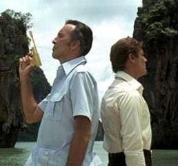 Scaramanga e Bond