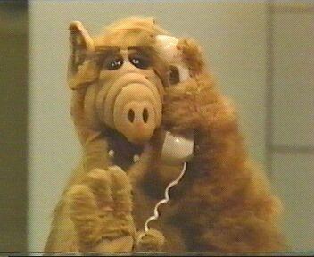 Alf ao telefone