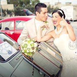 Nadine & Cliff 6005 by Keith Darmanin - Wedding Bride & Groom ( cool, car, vw, kitz klikz, vintage, wedding, white, keith darmanin, photography )