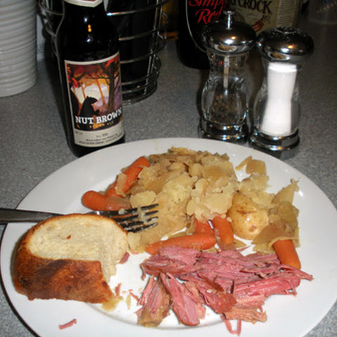 Slow Cooker Corned Beef & Cabbage with BEER!