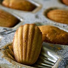 French Butter Cakes (Madeleines)