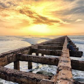 Thalankuppam – Chennai by Samaneethi Krishnan - Landscapes Beaches ( india, beach, sunrise, landscape, chennai, HDR, Landscapes,  )