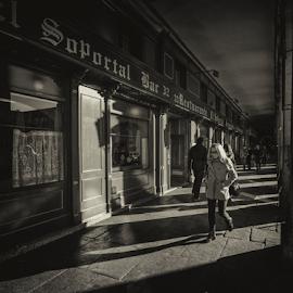 Soportal by Emilio Cabida - City,  Street & Park  Street Scenes ( lineas, plaza mayor, soportal, madrid, sombras, emerad )