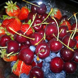 berries by Zaibidi Sultan - Food & Drink Fruits & Vegetables