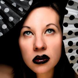 Black&White dots by Dalia Kager - People Fashion