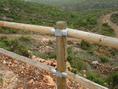C mo no se hace un vallado de madera alicante forestal - Como hacer una barandilla de madera ...