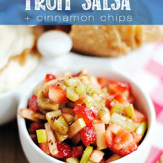 Game Day Cinnamon Sugar Nachos {& Fruit Salsa}