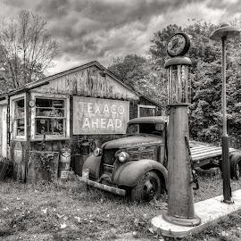 Texaco Ahead by Jeff Ewig - Transportation Automobiles ( texaco, texaco gas,  )