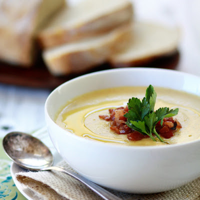 Creamy Roasted Garlic and Cauliflower Soup