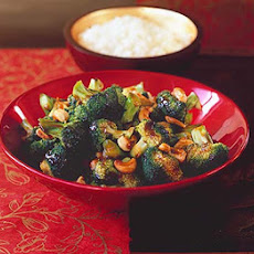 Stir-fried Broccoli With Cashews & Oyster Sauce