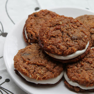 """Oatmeal Creme"" Pies (grain-free, egg-free, dairy-free and no refined sugars!)"
