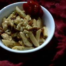 Penne With Chicken, Sun-Dried Tomatoes and Pine Nuts