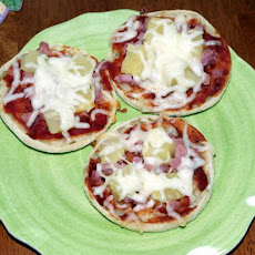Ham & Pineapple Pizza Muffins