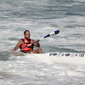 Riding waves by Maz Tissink - Sports & Fitness Watersports