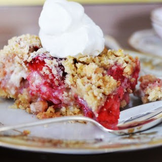 Strawberry White Chocolate Crumbles