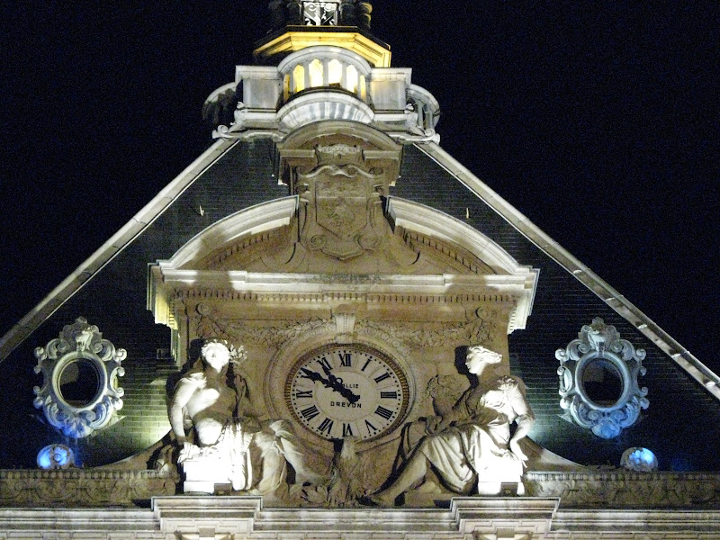Lyon by night - Horloge Place Cordeliers