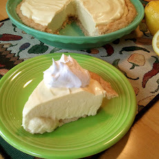 Lemonade Pie (No Bake)