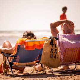 Untitled by Alex Narcis - People Couples ( sand, chair, sea, couple, beach, people, spain, palmeras )
