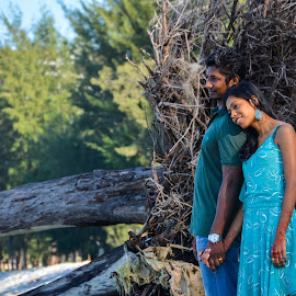 pre-wedding by Sivani Siva - People Couples ( nature, wedding, couple, beachside, people )
