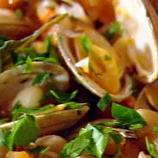 Clams With Garlic, White Wine And White Beans