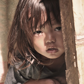 eyes of hope by Jo Carlo Balbontin - Novices Only Portraits & People ( child, feel, hope, eyes,  )