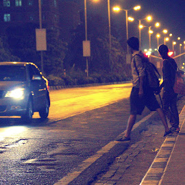 Companionship by Parag Katekar - People Couples ( love, mumbai, dslr, nightlife, couples )