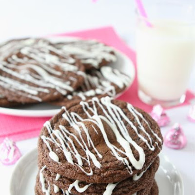 Raspberry Hugs Chocolate Cookies