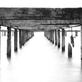Broken Pier by Hajar Wisnu Dwiputra - Black & White Buildings & Architecture