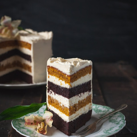 Spiced Pumpkin and Chocolate Cake with Maple Cinnamon Mascarpone Frosting