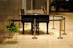 Free piano for use in the Shinjuku Mitsui Building, you just can't touch it.