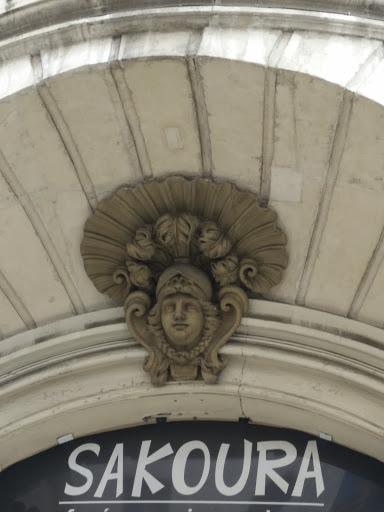 Sculpture En Facade