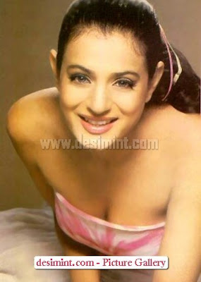 Amisha-Patel-Hot