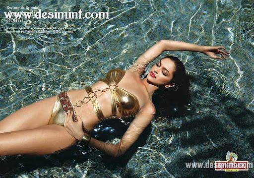Hot Sexy deepika Padukone In Bikini Pics