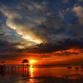 Sunrise at Kenjeran by Haryo Suryo - Landscapes Sunsets & Sunrises ( pantai, cloud, cloudscape, beach, sunrise, morning )