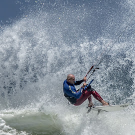 Off the lip by Roger Lagesse - Sports & Fitness Watersports ( surfing, kiting surfing, water sport )