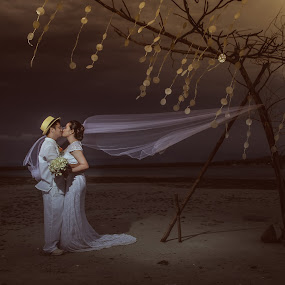 by Jessie Lebante - Wedding Bride & Groom