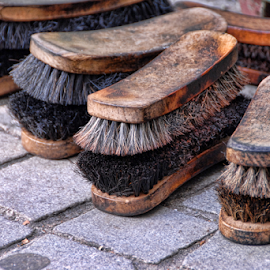 Shoe polishing brushes by Antonio Amen - Artistic Objects Other Objects