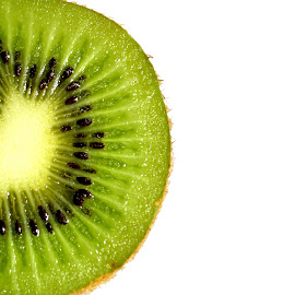 Kiwi by Sanaz Shahraki - Food & Drink Fruits & Vegetables ( fruit, sanaz shahraki, kiwi, photography )