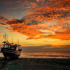 The Morning On Fire by I Ketut  Sadia - Transportation Boats ( boats, cloud, beach, sunrise, landscape )