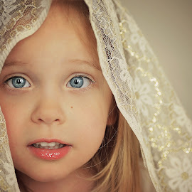 Golden lace by Lucia STA - Babies & Children Child Portraits