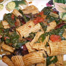 Penne With Spinach, Tomatoes and Olives