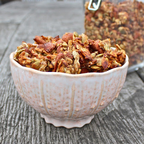 Healthy Banana and Almond Granola Clusters
