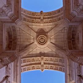 Arco da Rua Augusta by Teresa Maia - Buildings & Architecture Statues & Monuments