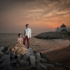 by Tim Chong - Wedding Bride & Groom