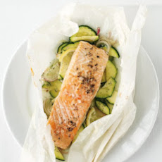 Salmon and Zucchini Baked in Parchment