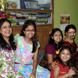 Say...CHEEEESEEEE by Saikat Kundu - People Family ( girls, get together, family, natural, close up, laughng,  )