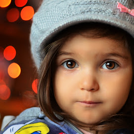 lights by Julian Markov - Babies & Children Child Portraits
